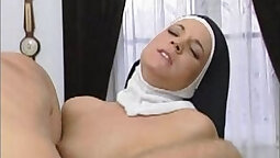 SS madeline Kelly Pirra gets off, giving a wooanlicious amusement ride