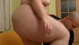 Chubby Chick Playing with Her Slutty Ass