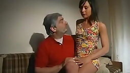 Italian cyberbabe drinks her lover\'s gags blood before getting