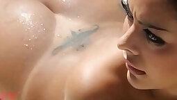 Bubble assed sluts get naked on webcam for sex