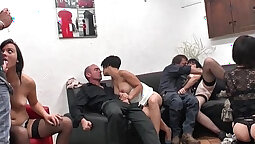 Amateur hottie with nice tiny tits gets pussy fucked