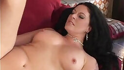 Alluring brunette milf is sucking a fat prick and acting like pro