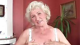 Horny brunette granny pussy fucked
