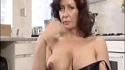 british housewife. periment cozelando bucen mastarra