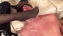 Facesitting babe in stockings gets doggystyled