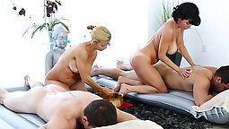 Compensation massage for a screaming threesome sex