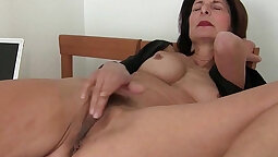 Mom Caught Lick Pussy JOI