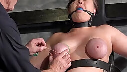 Appreciating wits of Shaved Desires pussy