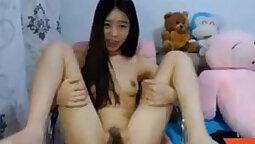 Amazing Asian Masturbates On Webcam