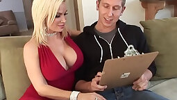 Busty MILF swallows and gets jizzed by tiny sonariti